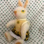 黄色ドレスの黄ウサギ2